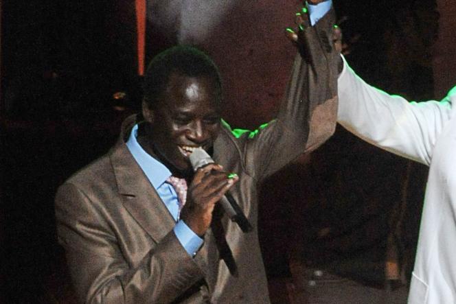 Thione Seck, lors d'un concert, le 9 septembre 2012, au Grand Théâtre de Dakar.