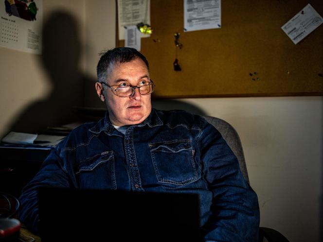 Alexander Tcherkassov, dari NGO Memorial, di Moskow, 12 Maret 2021. Memorial adalah satu dari tiga organisasi yang menginstruksikan pengacara untuk mengajukan pengaduan terhadap Moskow pada hari Senin, 15 Maret, terhadap tersangka anggota Wagner Mercenary Group.