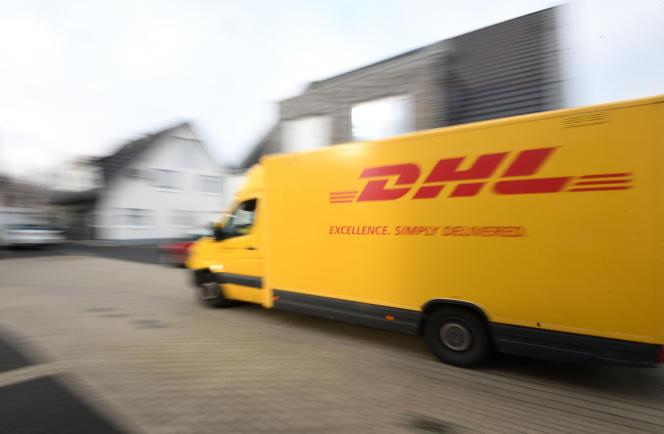 Le groupe Deutsche Post DHL, leader mondial du colis, a enregistré un chiffre d'affaires pour 2020 de 67 milliards d'euros, en hausse de 5,5 %.