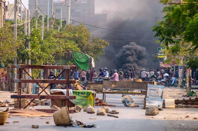 Cette photo prise et reçue avec l'aimable autorisation d'une source anonyme via Facebook, le 22 mars à Mandalay.