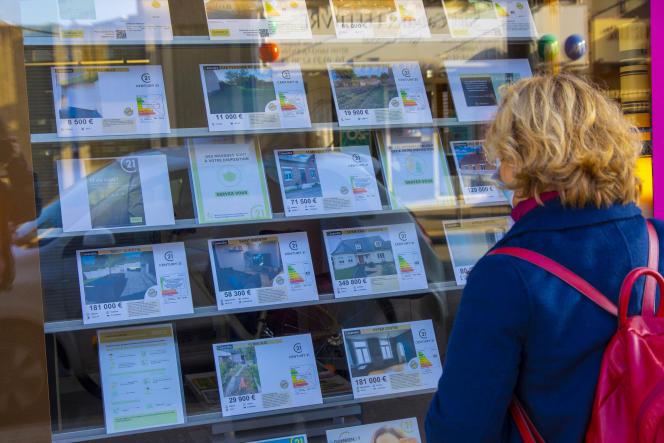Si les visites immobilières sont autorisées pour les résidences principales, elles ne le sont pas pour les résidences secondaires et les investissements locatifs dans les seize départements reconfinés.