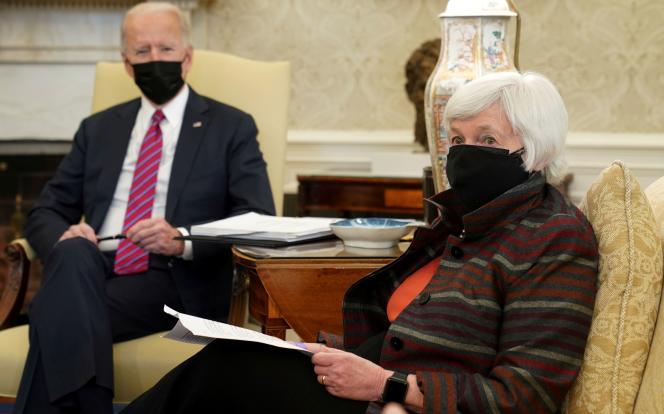 Le président Joe Biden etla secrétaire au Trésor des Etats-Unis, Janet Yellen, à la Maison Blanche, à Washington, le 29janvier.