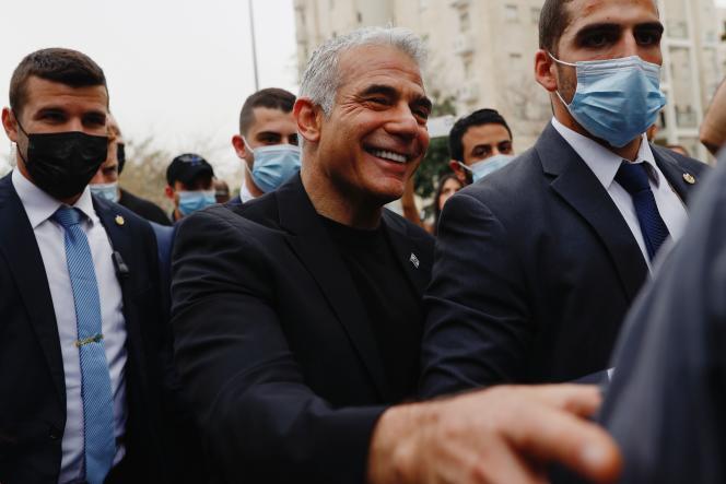 Yaïr Lapid, leader du premier parti d'opposition Yesh Atid, après son vote dans un bureau de Tel-Aviv, le 23 mars 2021.