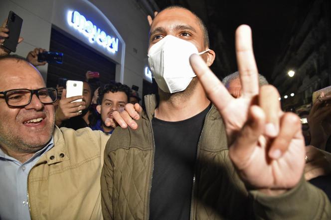 Le journaliste Khaled Drareni après sa libération, à Alger, le 19février 2021.