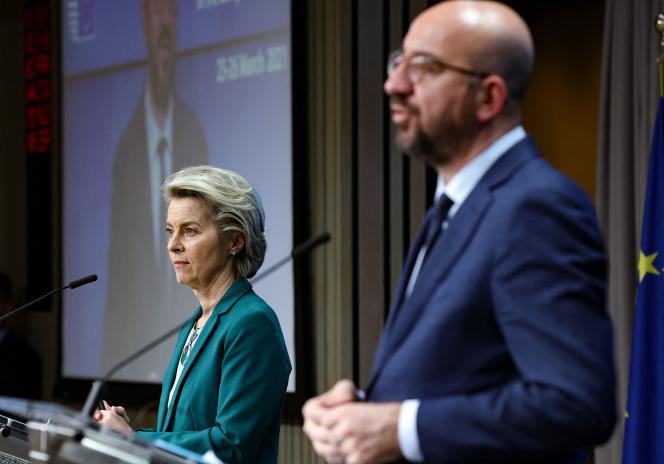 Le président du Conseil européen, Charles Michel, et la présidente de la Commission européenne, Ursula von der Leyen, ont donné une conférence de presse à Bruxelles, jeudi 25mars.