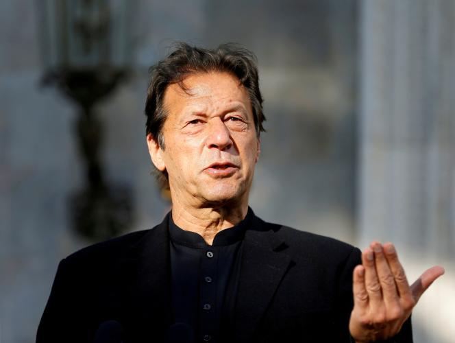 Après des jours de manifestations durant lesquelles quatre policiers ont été tués, le gouvernement d'Imran Khan a annoncé mercredi que le TLP serait désormais interdit, le qualifiant de groupe terroriste.