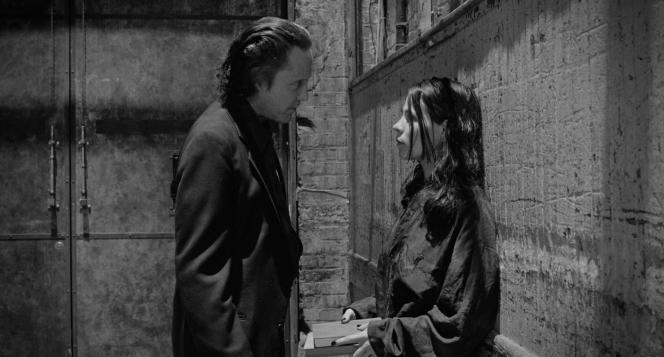 Peina (Christopher Walken) et Kathleen (Lili Taylor) dans «The Addiction» (1995), d'Abel Ferrara.