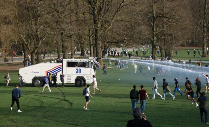 Lors du premier rassemblement au Bois de la Cambre, à Bruxelles, le 1er avril 2021.