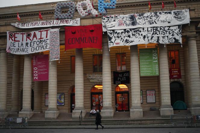 Afdaling van het Odéon-Théâtre de l'Europe, 1 april 2021.