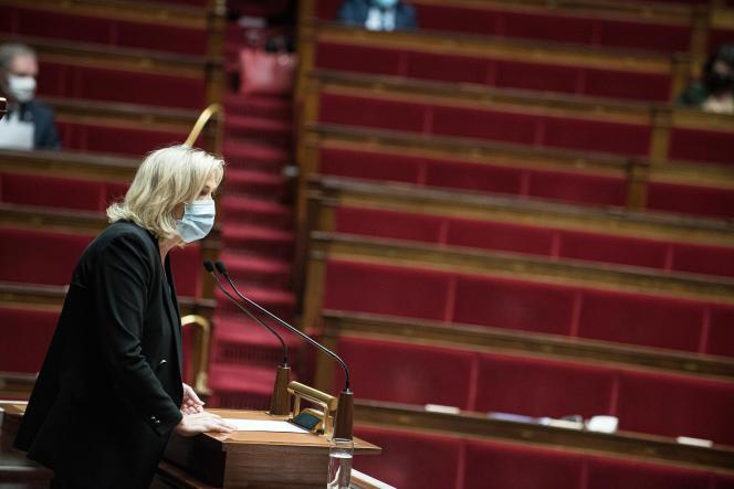 Marine Le Pen à l'Assemblée nationale, le 1er avril.
