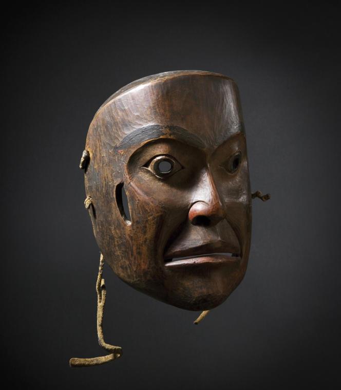 Masque amérindien, de la collection André Breton, exposé par la galerie Flak.
