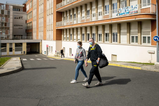 Mosaddegh Platic and her 21-year-old daughter Maysa leave Saint Camille Hospital in Brie-sur-Marne on April 1.