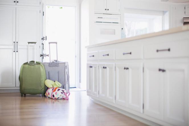Premier réflexe : regarder si son contrat d'assurance habitation comporte une clause d'inoccupation.
