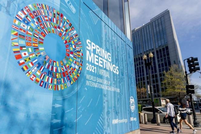 Devant le siège du Fonds monétaire international (FMI), à Washington, DC, le 5avril.