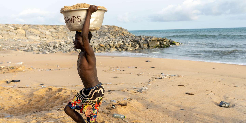 « Il suffit d'un coup de volant et on se retrouve dans l'eau » : au Ghana, le littoral menacé par l'érosion
