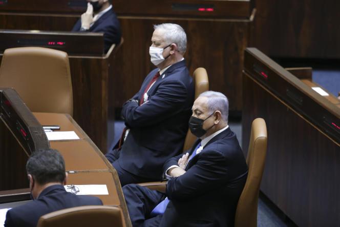 Le premier ministre israélien, Benyamin Nétanyahou, à droite, à la Knesset, à Jérusalem, le 6avril 2021.