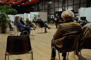Salle d'attente du centre de vaccination Olympe de Gouges, 11ème arrondissement de Paris, le 6 avril.