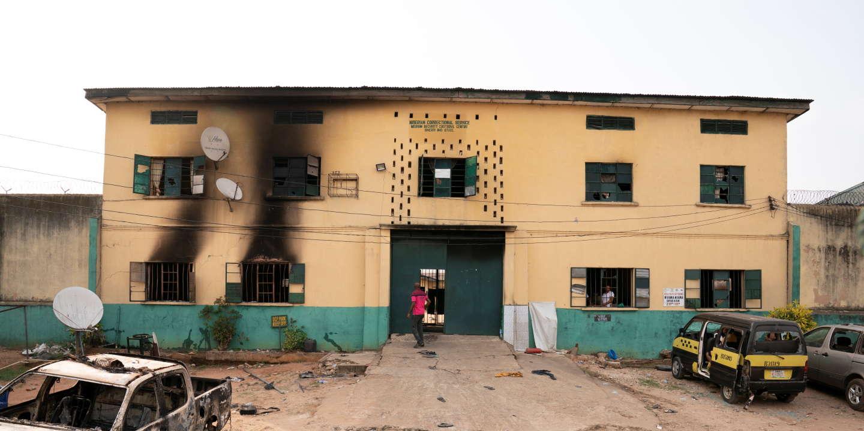 Au Nigeria, plus de 1800détenus s'évadent après l'assaut d'une prison