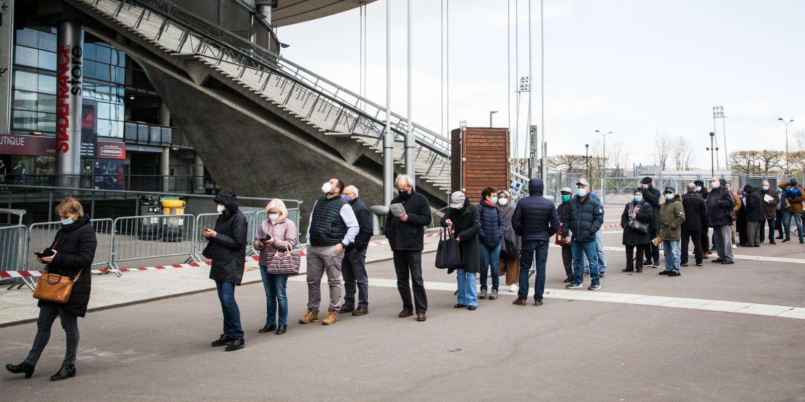 Le stade de France, à Saint-Denis,transformé en vaccinodrome, le 6 avril 2021.