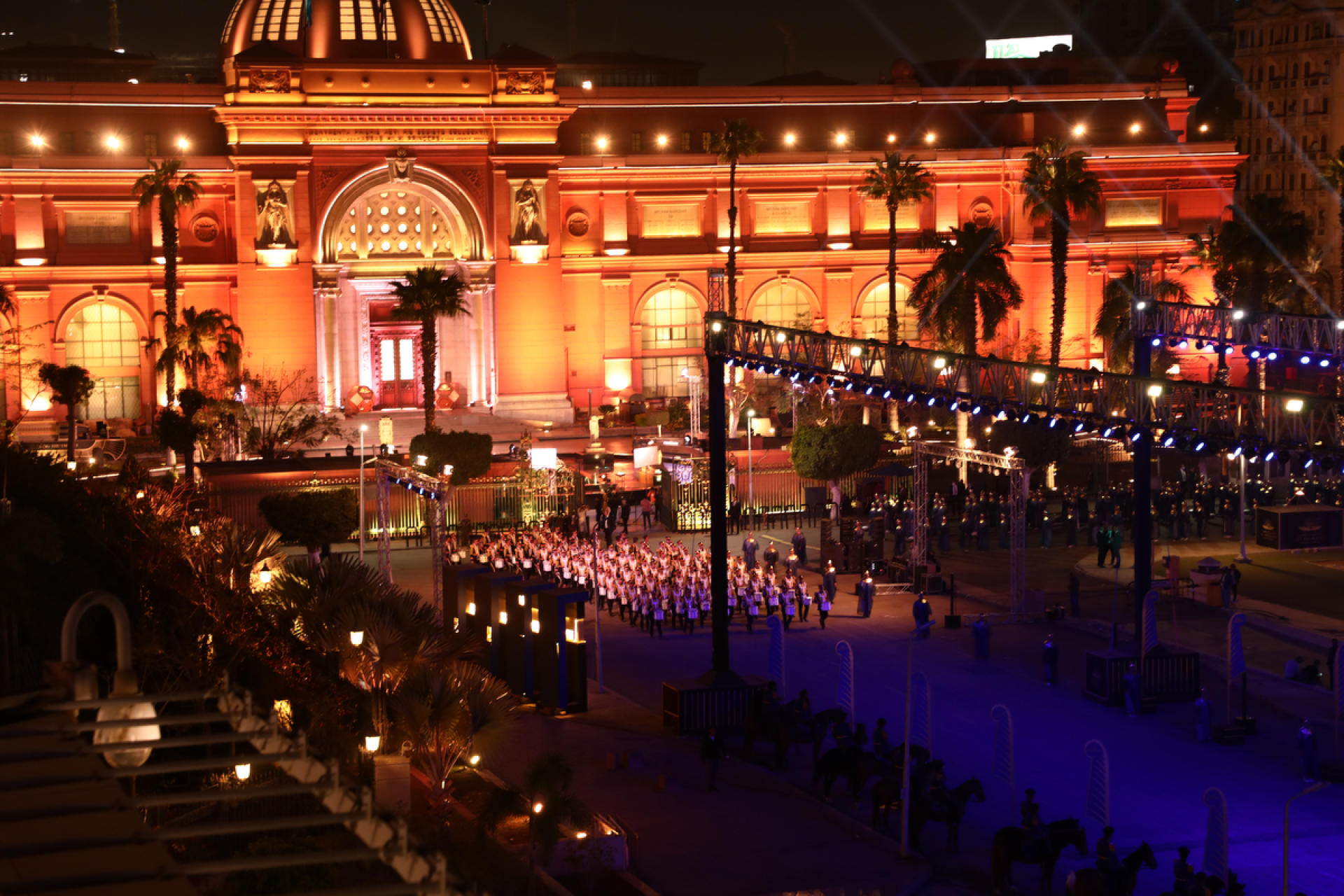 La fanfare ouvre la cérémonie, au Caire le 3 avril 2021.