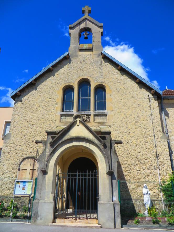 L'église Sainte-Jeanne-d'Arc de Reims, où ont été célébrées deux messes sans que le port du masque soit respecté.