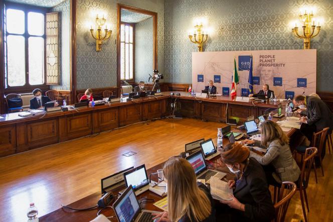 Le ministre italien de l'économieDaniele Franco participant au G20 par visioconférence, à Rome, le 7 avril.