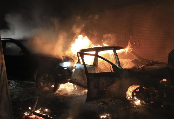Un bus a été incendie à Belfast dans la nuit de mercredi 7 à jeudi 8 avril.