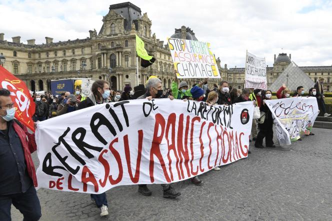 Manifestation de professionnels du spectacle et de travailleurs précaires, à Paris, le 26 mars.