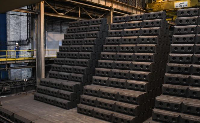 Des lingots d'aluminium à la fonderie de Dunkerque (Nord), en 2019.