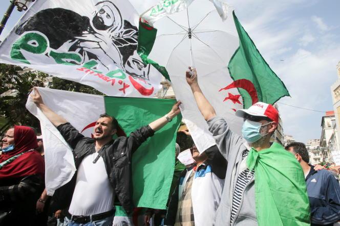 Manifestation anti-régime à Alger, le 2 avril 2021.