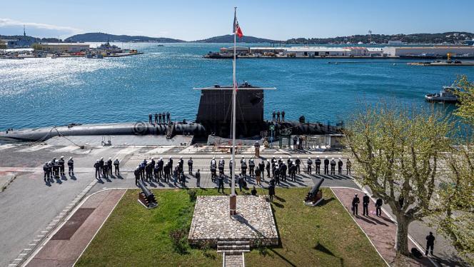 Le sous-marin nucléaire d'attaque « Emeraude », à Toulon, de retour de la mission Marianne, le 7 avril 2021.
