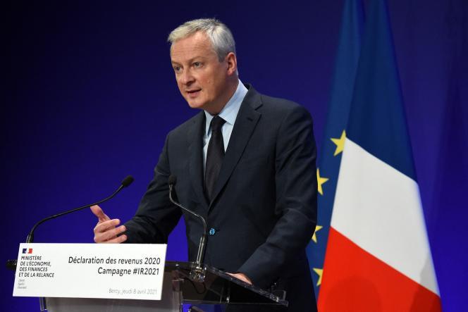 Le ministre français de l'économie et des finances, Bruno Le Maire, s'exprime lors de conférence de presse pour le lancement de la campagne de l'impôt sur le revenu.