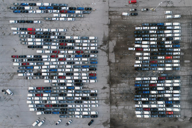 Des pick-up sur le parking d'une usine General Motors à Wentzville (Missouri, Etats-Unis), le 24 mars.