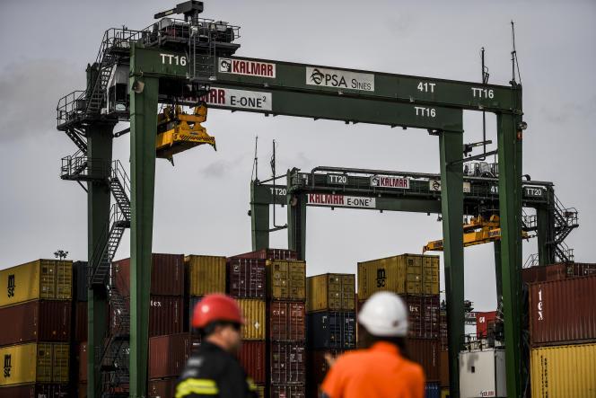 Des conteneurs au Terminal XXI du port de Sines (Portugal), le 12 février 2020.