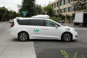 Voiture autonome Waymo devant le siège de la société, à Mountain View, en Californie (Etats-Unis), le 8 mai 2019.