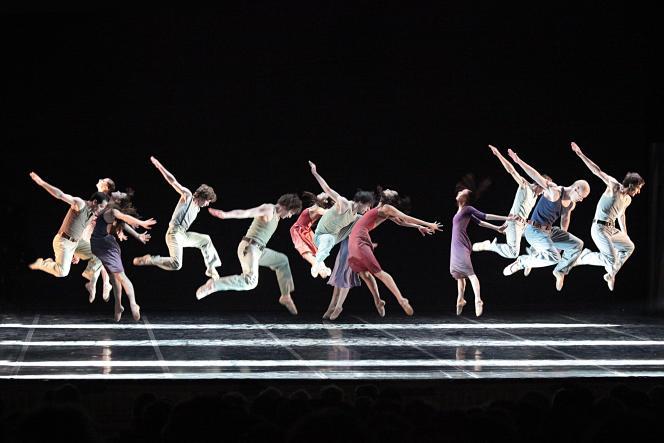 «Aria» (2008), chorégraphie de Gil Roman avec le Béjart Ballet Lausanne.