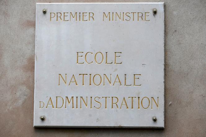 Sur le bâtiment de l'École nationale d'administration (ENA), à Strasbourg, le 24 avril 2019.