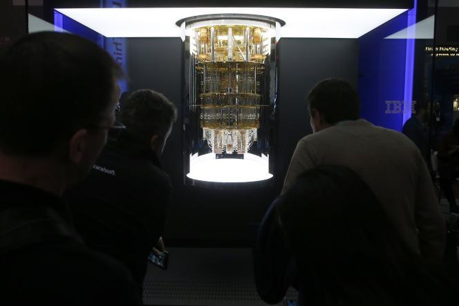 L' ordinateur quantique «Q System One» d'IBM, présenté au salon Consumer Electronics Show de Las Vegas (Nevada), en janvier 2020.
