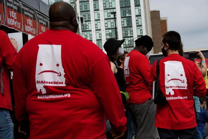 Les salariés ayant milité pour la création d'un syndicat Amazon aux Etats-Unis se plaignent notamment de cadences infernales ou du manque de protections en matière de sécurité.