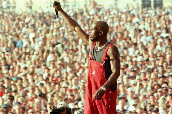 Le rappeur Earl Simmons, alias DMX, sur la scène du festival Woodstock en 1999.