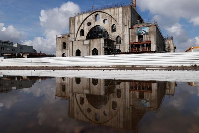 La mosquée Eyyub Sultan en construction à Strasbourg, en avril 2021.