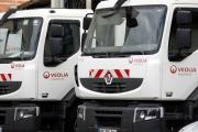 Des camions Veolia, à Chatillon (Hauts-de-Seine), le 31 août 2020.