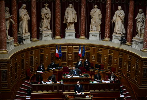 French Prime Minister Jean Castex addresses MPs at the French Senate on April 1, 2021 ahead of vote on draft bill on Covid-19 response. (Photo by MARTIN BUREAU / AFP)