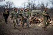 Visite du président ukrainien, Volodymyr Zelensky, aux forces armées dans la région du Donbass, le 8 avril 2021.