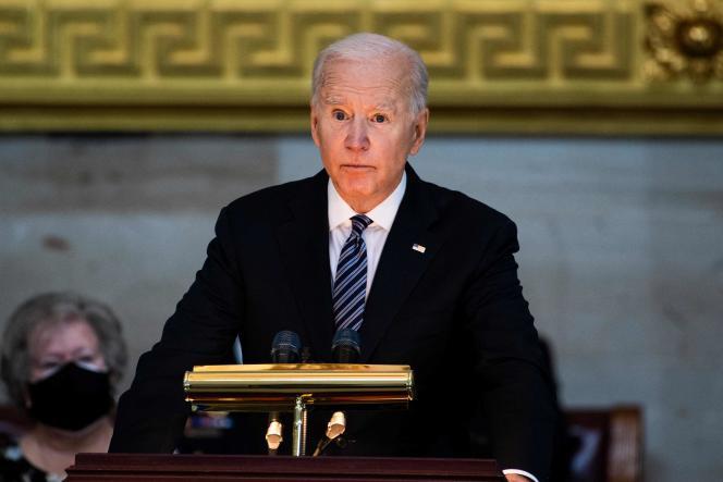 "Joe Biden a rendu hommage au policier William ""Billy"" Evans à Washington, mardi 13 avril."