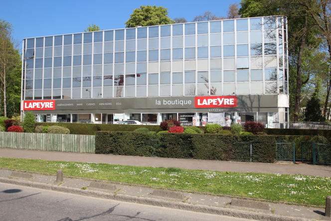 Magasin Lapeyre au Chesnay (Yvelines), le8 avril 2017.