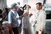 Billy Wilder, Marthe Keller et Michael York sur le tournage de« Fedora», en 1977.