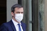 Le ministre de la santé Olivier Veran après avoir participé à la réunion hebdomadaire du cabinet à l'Elysée, à Paris, le 14 avril 2021.