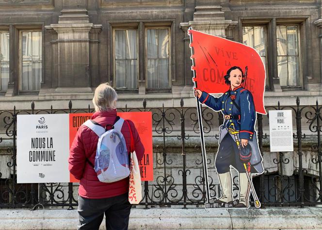 La figure de Louise Michel dans son costume d'époque, prise le 14 avril 2021 à Paris - Avec l'aimable autorisation de son auteur. DUGUDUS / LE DUQ, 2021