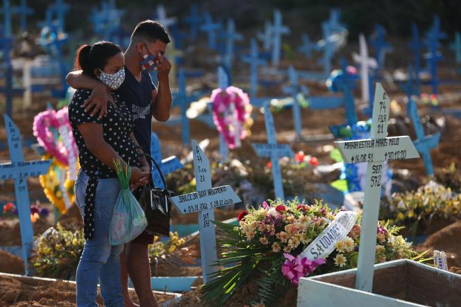 Dans un cimetière de Manaus, eu Brésil.